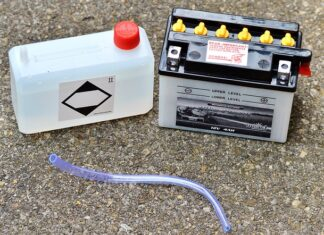 jakim prądem ładować akumulator