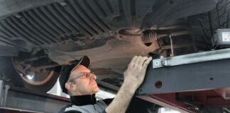 mechanik w pracy